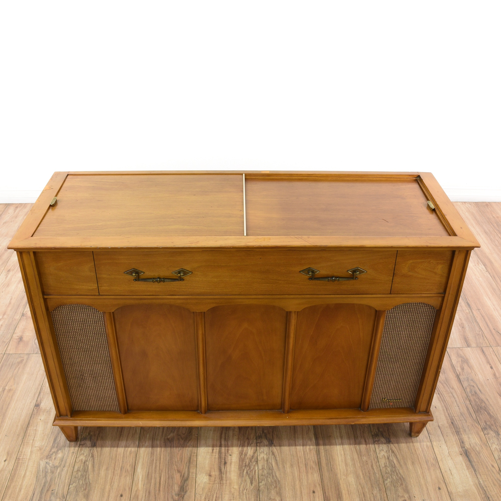 Quot Magnavox Quot Carved Wood Record Stereo Cabinet Loveseat