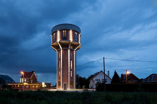 water-tower-converted-private-residence-17-tower-night