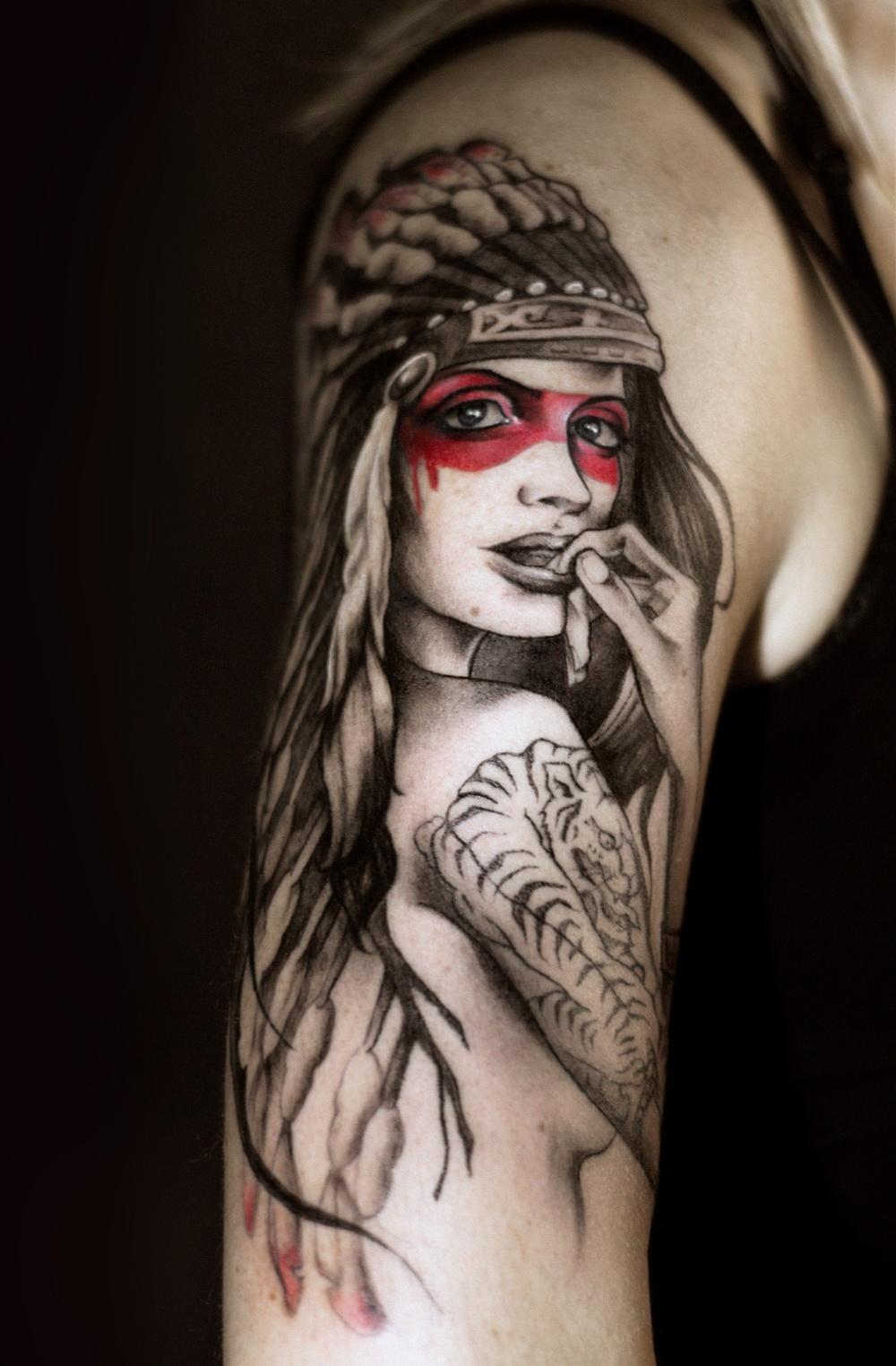 Tatuerare och foto:  Alejandra Andres, tatuerare i Barcelona
