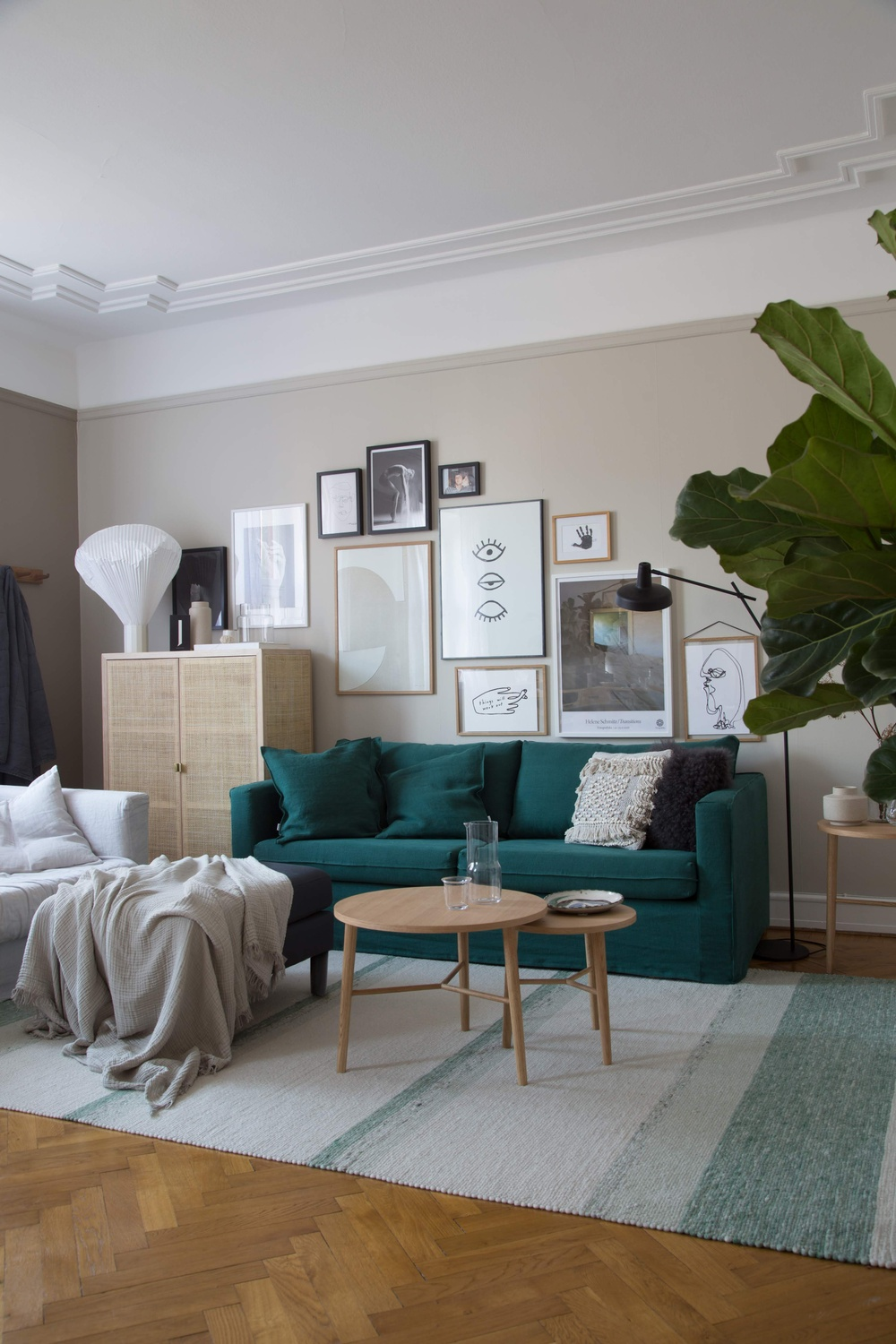 Bemz cover for Karlstad 3-seater, Loose Fit Urban and Karlstad footstool,  Fabric: Ivy Brera Lino fron Designers Guild + footstool in Graphite Simply Linen Bemz Cushion covers: Ivy Brera Lino from Designers Guild Stylist: Genevieve Jorn Photographer: Niki Brantmark / My Scandinavian Home