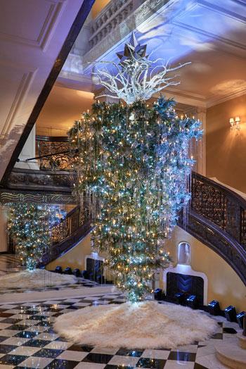 claridges-christmas-tree-2017-by-karl-lagerfeld-2