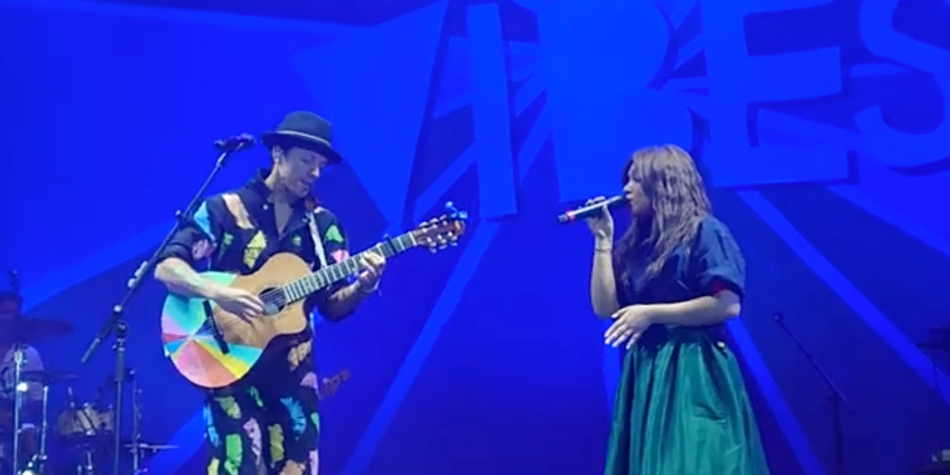 Jason Mraz and Reneé Dominique perform 'Could I Love You Any More?' in Manila concert – watch