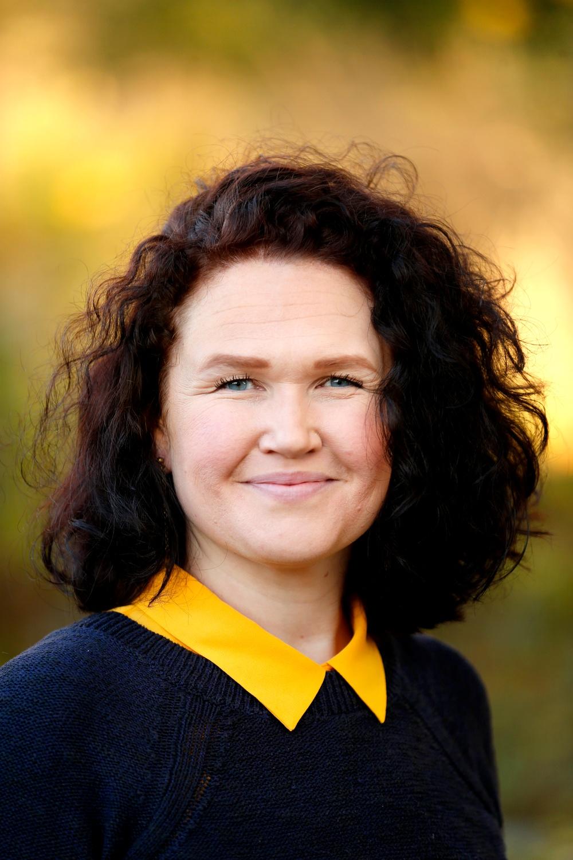 Författarporträtt: Elin Iderström  Foto: Linn Malmén