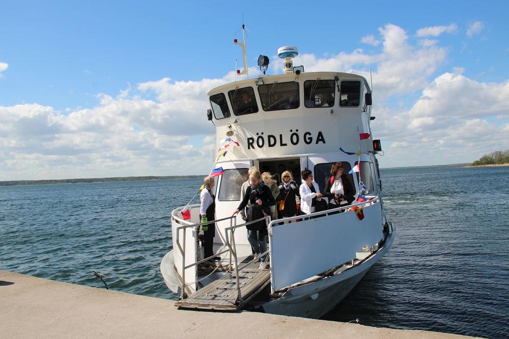 Båten Rödlöga i Roslagens skärgård