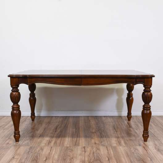 Traditional Dining Table w/ 1 Leaf