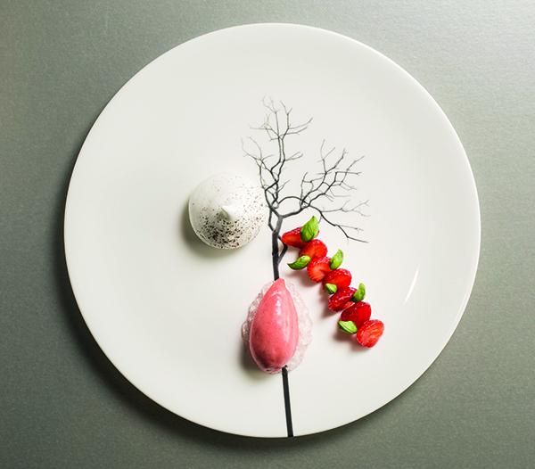 Strawberry, mascarpone, meringue, basil