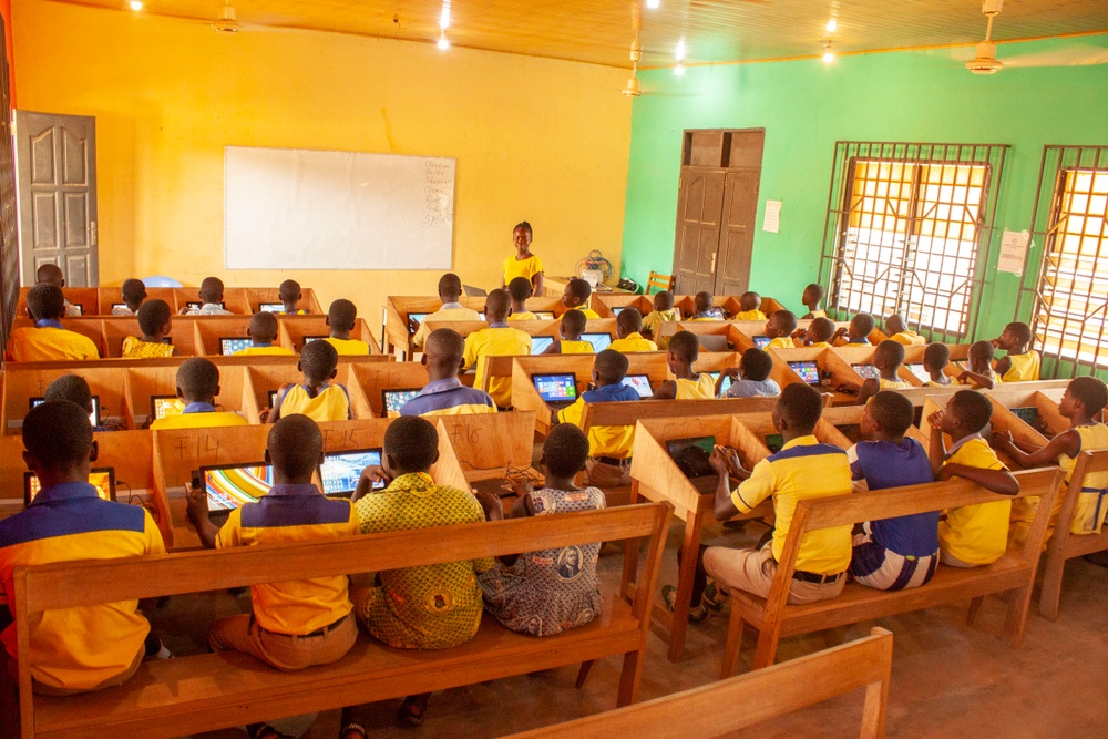Children in Ghana in their classroom - IT for Children