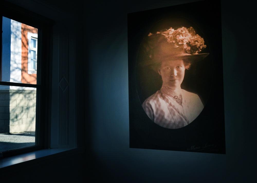 """Utställningen """"Jag ser dig – fotograf Ida Ekelund"""" invigdes i september 2019 och står tillsvidare. Foto: Nelly Hercberg, Kulturen."""