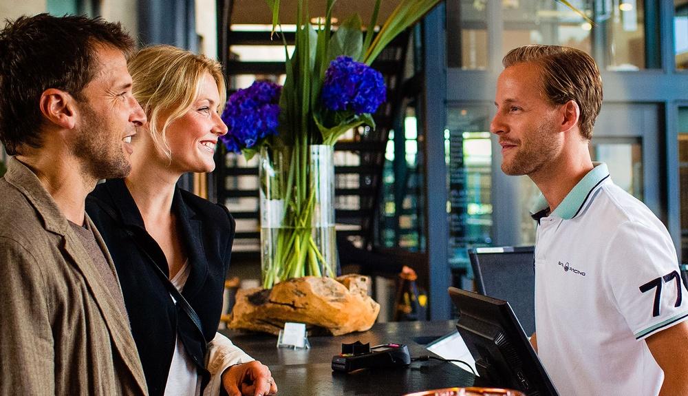 Receptionen på Hotel Skansen i Båstad
