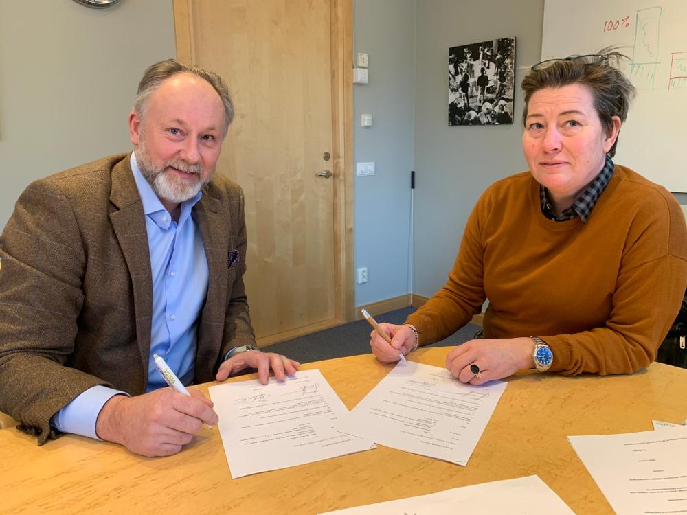 Jonas Siljhammar, Visita och Malin Ackholt, HRF