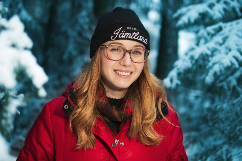 Erica Jonsson Ogilwie som jobbar med skogsfrågor på Torstas avdelning för landsbygdsutveckling. Foto: Robert Henriksson / Torsta
