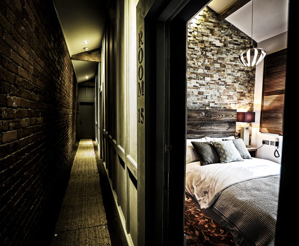 cow-hollow-hallway