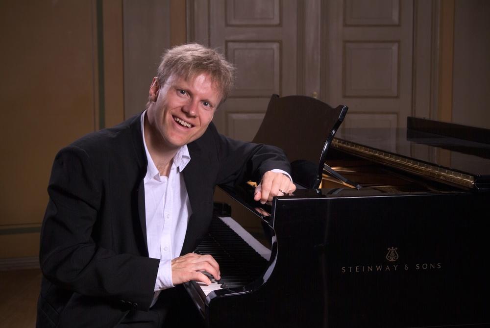 Håvard Gimse inviger Wermland Operas konsertflygel den 13 oktober 2016.  Foto:John Andresen