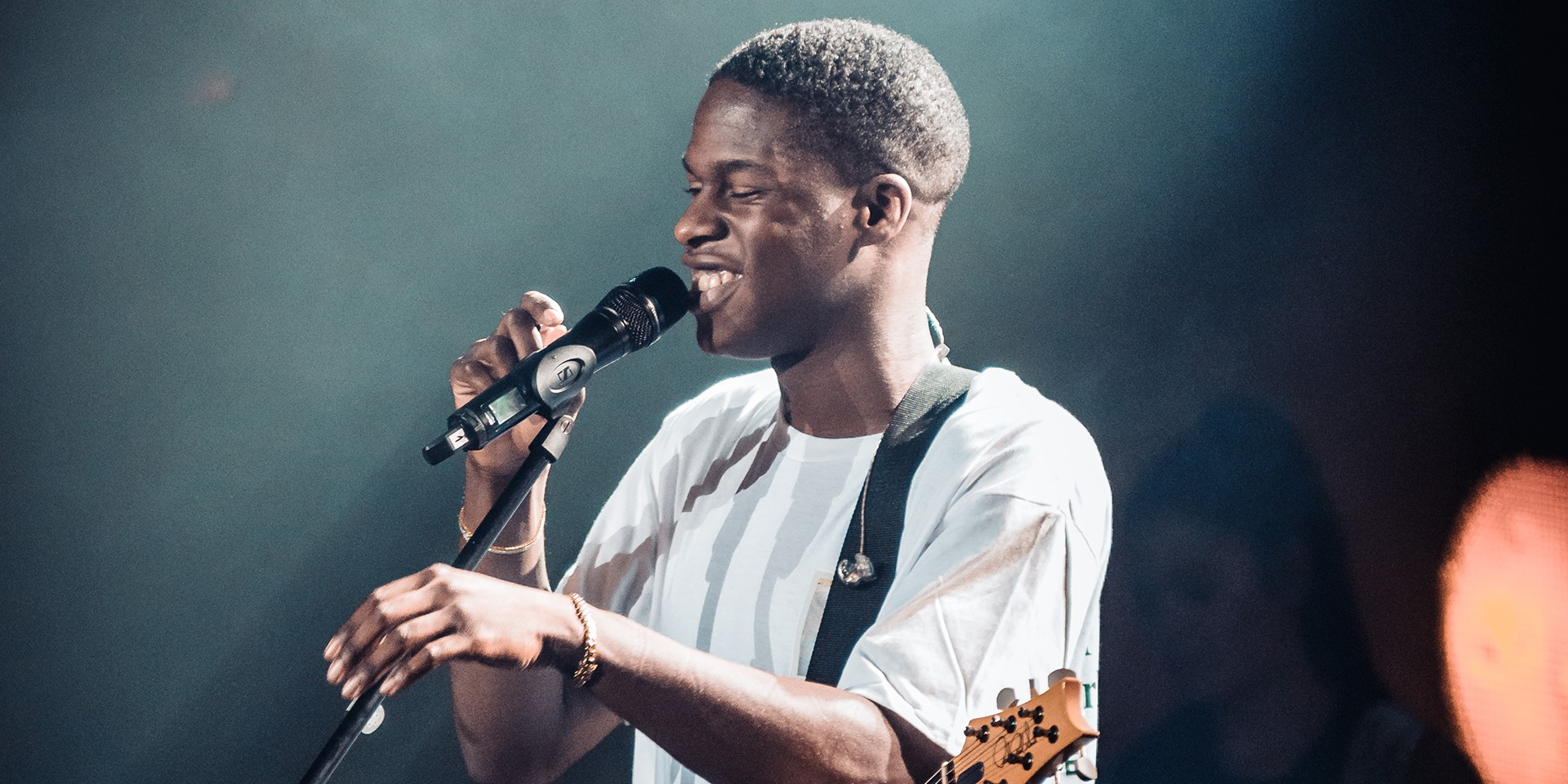 Daniel Caesar serenades his fans in Manila with high spirits and his philosophical journey – photo gallery