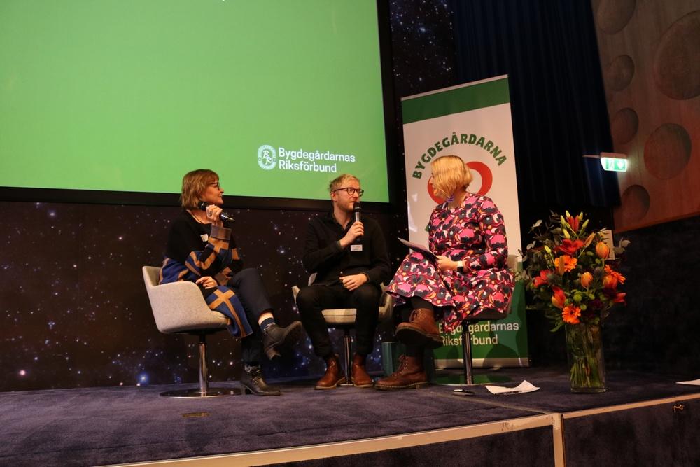 Byahörnan, Trelleborgs kommun, Ulla-Britt Olofsson, ordförande Byahörnan och Christoffer Hernestig, Trelleborgs kommun. Foto: Jenny Dahlerus