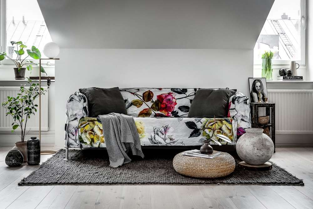 Bemz x Tom Dixon cover for IKEA Delaktig. Fabric: Floral Fuchsia Designer: Designers Guild Photo & styling: Henrik Nero