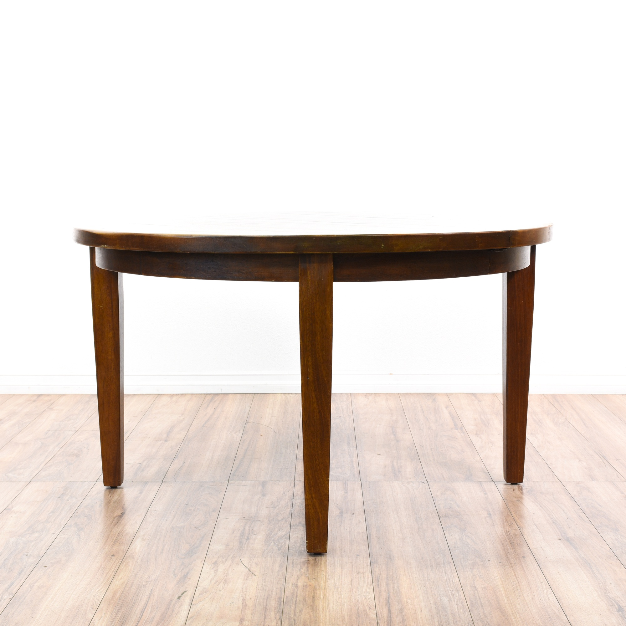 Round solid wood dining table w 2 leaves loveseat for Dining table with two leaves