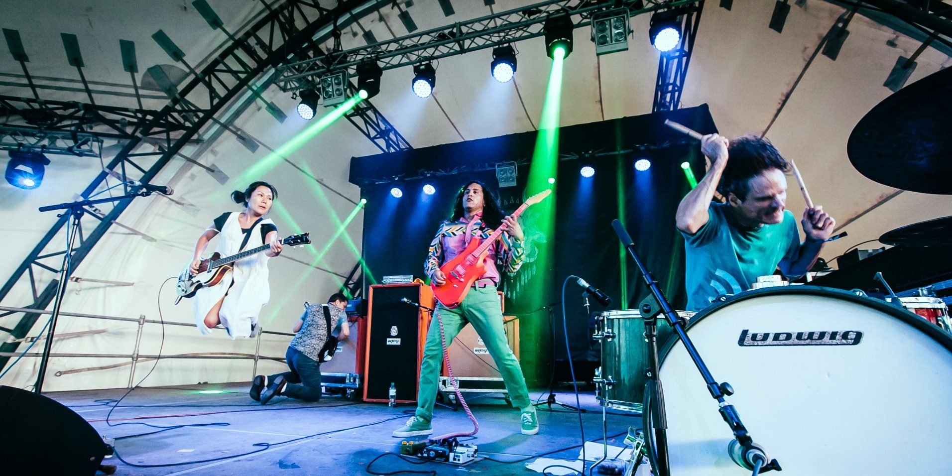 """Deerhoof was never capable of using a formula"": An interview with Deerhoof's Greg Saunier"