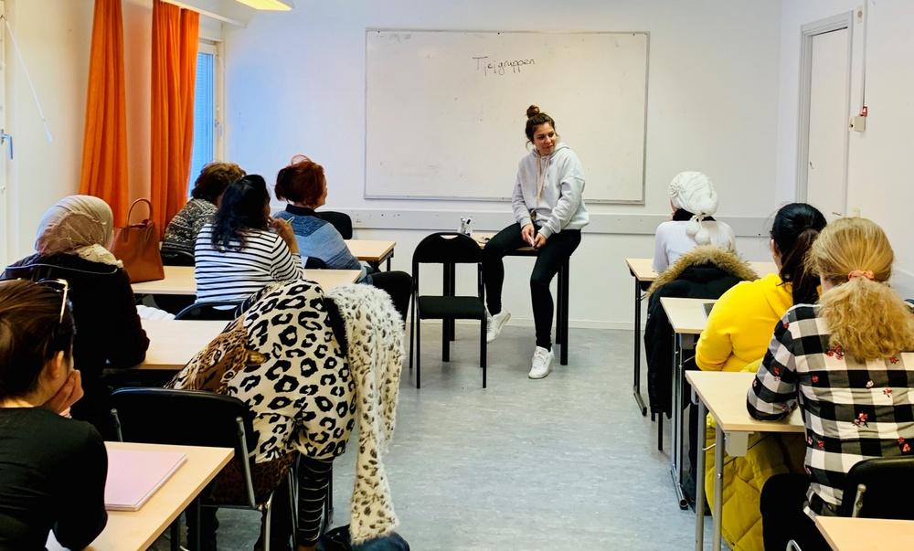 Fler och fler kvinnor deltar på de träffar som Eductus i Sollentuna anordnar för sfi-elever