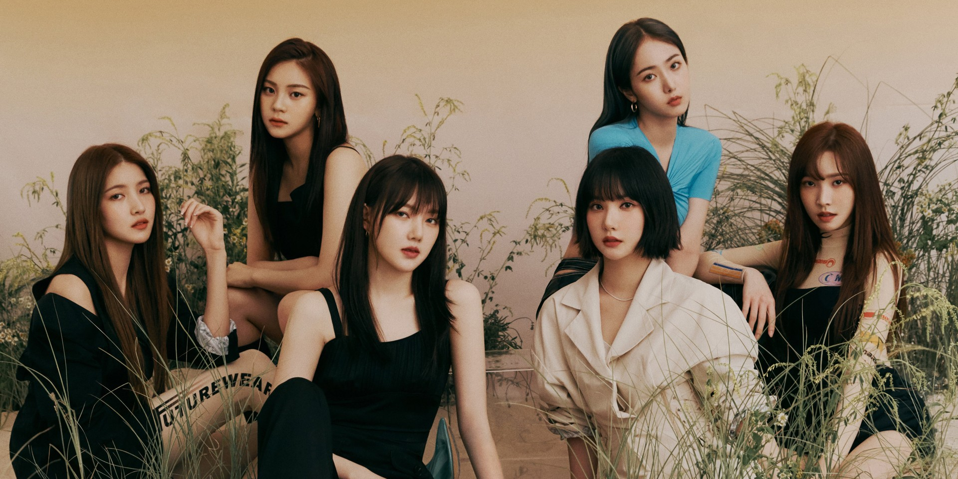 GFRIEND comfort fans with handwritten letters as they end contract with Source Music, fans show support and appreciation with #ThankYouGFriend