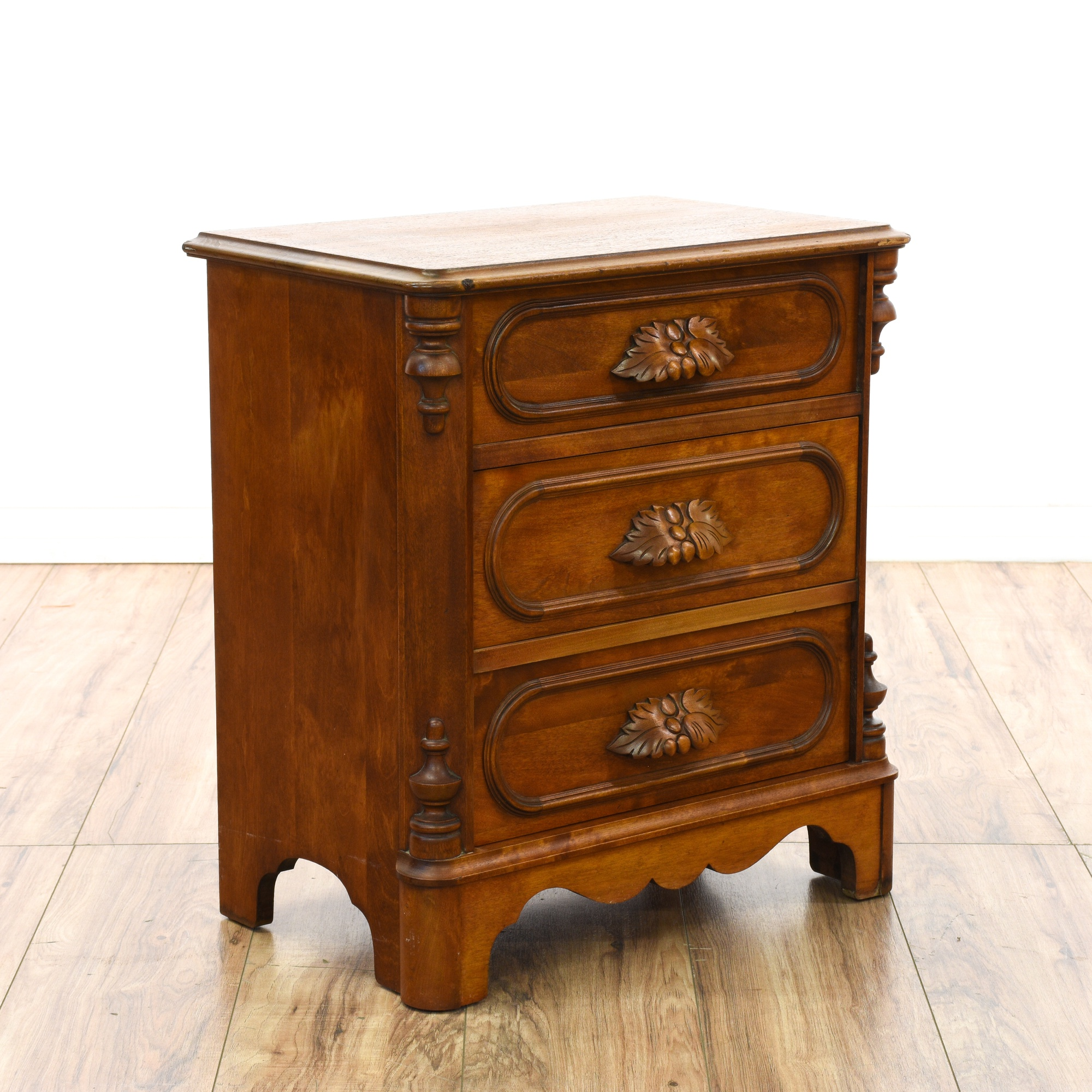 Antique Wooden Carved 3 Drawer Nightstand Loveseat Vintage Furniture San Diego Los Angeles