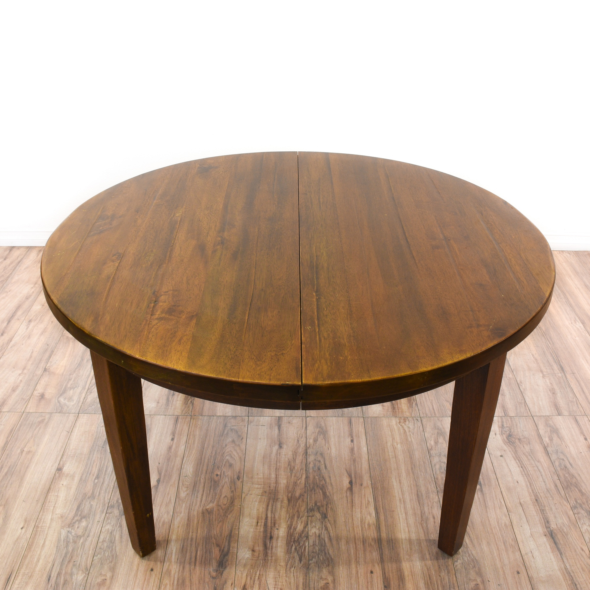 Round solid wood dining table w 2 leaves loveseat for Solid wood round dining table with leaf