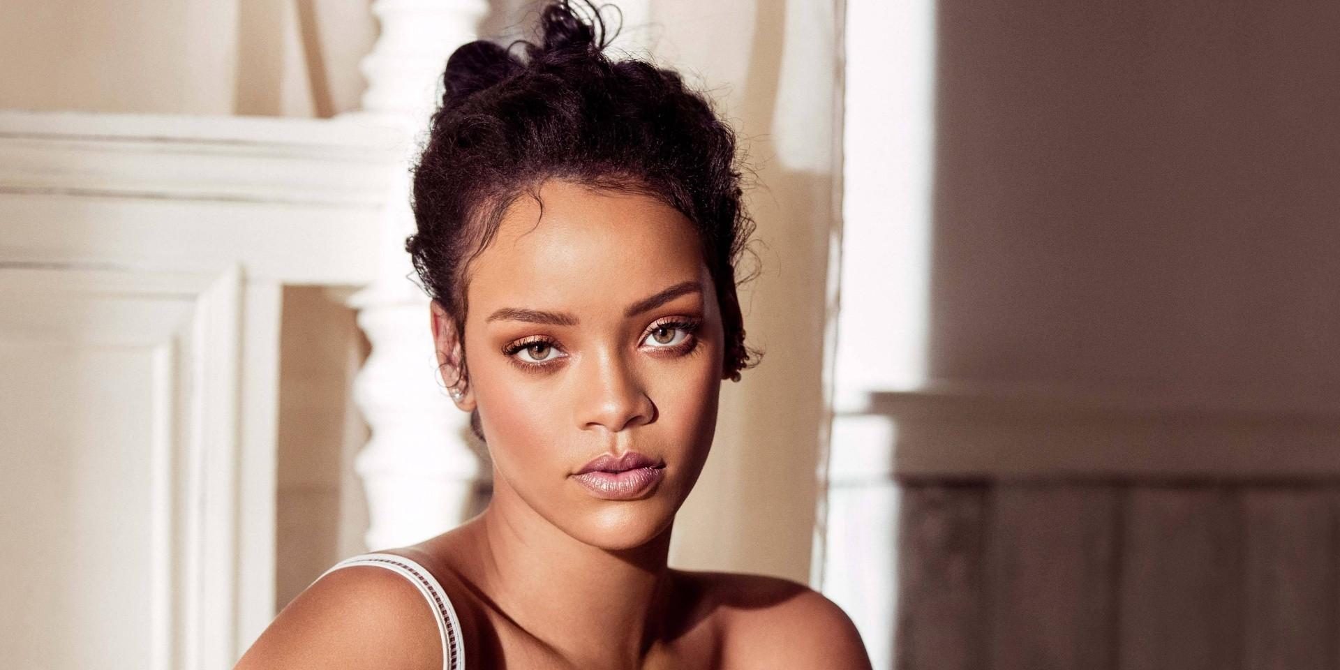"Rihanna details forthcoming ""reggae"" album"