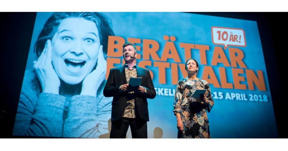 Robert Herrala och Malin Åberg, programvärdar vid invigningen av Berättarfestivalen 2018 i Skellefteå. Foto: Patrick Degerman
