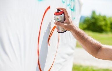 Des actions pour éliminer les graffitis à Victoriaville