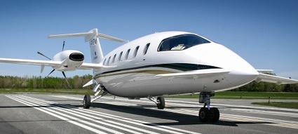 """Avion turbopropulseur sur la piste de l'aéroport régional André-Fortin de Victoriaville. <a href=""""https://www.flickr.com/photos/villedevicto/albums/72157651847423321"""">Voir plus de photos</a>"""