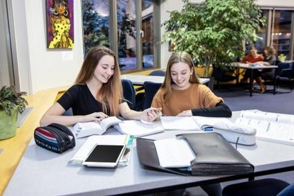 Coin d'étude aux bibliothèques de Victoriaville