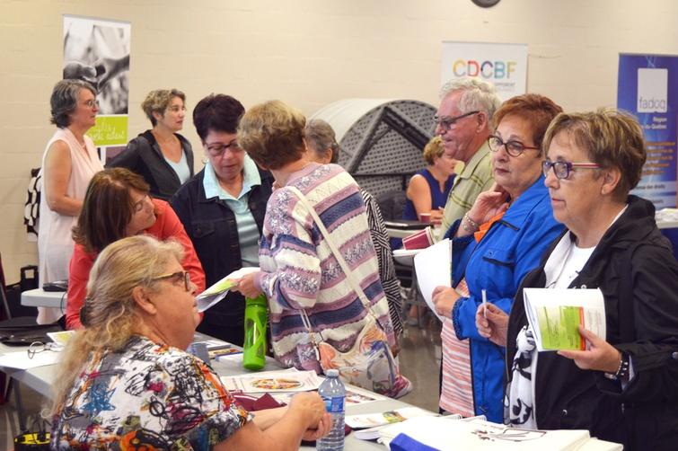 Un premier Grand rendez-vous des organismes destiné aux personnes âgés de plus de 50 ans s'est déroulé le 24 septembre dernier à Sainte-Clotilde-de-Horton en présence d'une dizaine d'organismes et d'une centaines de personnes.