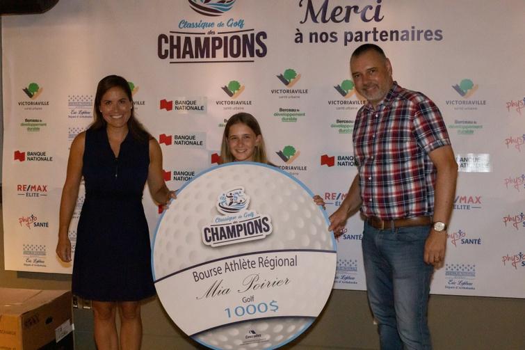 Dans la catégorie « Athlète espoir », la bourse a été décernée à la jeune golfeuse Mia Poirier.