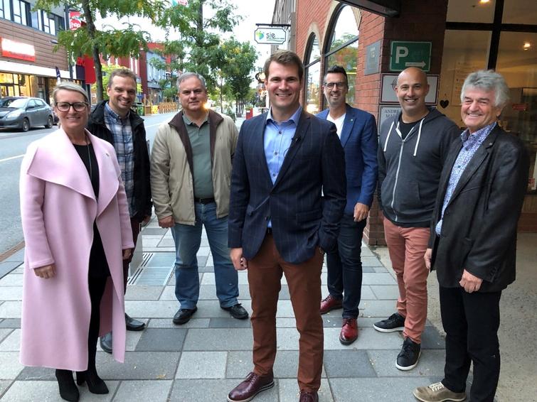 Sur la photo, de gauche à droite, Caroline Pilon, Yanick Poisson, Michael Provencher, Antoine Tardif, Yannick Fréchette, Alexandre Côté et Marc Morin. Absent sur la photo, Benoit Gauthier a également été élu par acclamation.