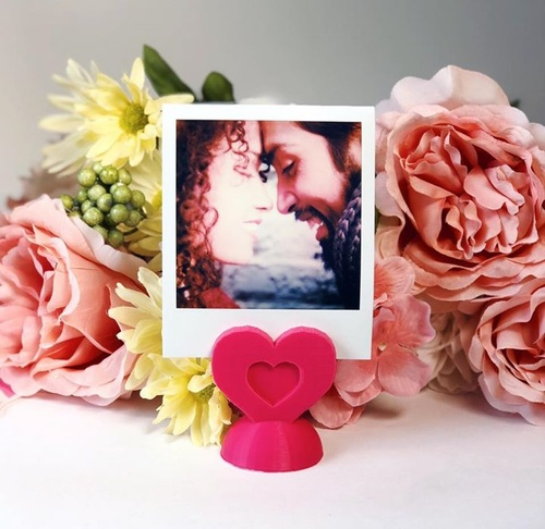 Go for DIY this Valentine's Day 💕 Follow along on the Polaroid blog and find out how you can make a 3D-printed photo heart stand for that special someone: http://blog.polaroid.com/blog/post/diy-photo-heart-stand