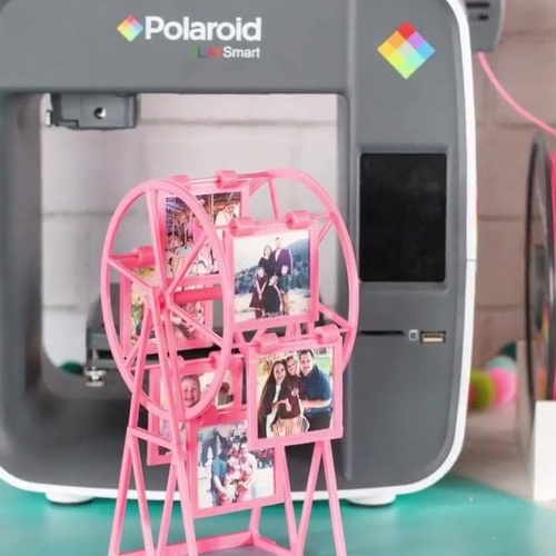 Round and round our photos go 🎡 Kimberly of @sweetredpoppy shares a creative way to display all your favorite photos with the Polaroid PlaySmart 3D Printer ✨ Shop here: https://www.polaroid.com/products/playsmart-3d-printer
