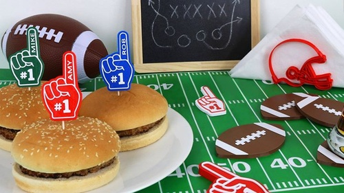 Gear up for the big game 🏈 Add that special touch to your party with football coasters, a helmet napkin holder, and personalized burger toppers - all created with the Polaroid PlaySmart 3D printer 🌟