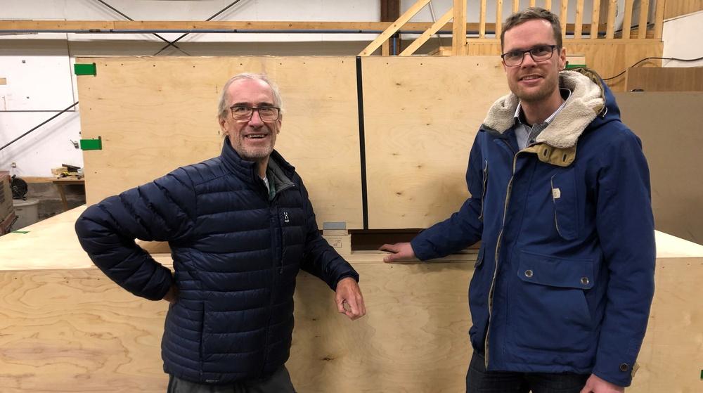 Boardics grundare Per Ekerbring t.v. med Oskar Ryno, VD AB Karl Hedin Emballage