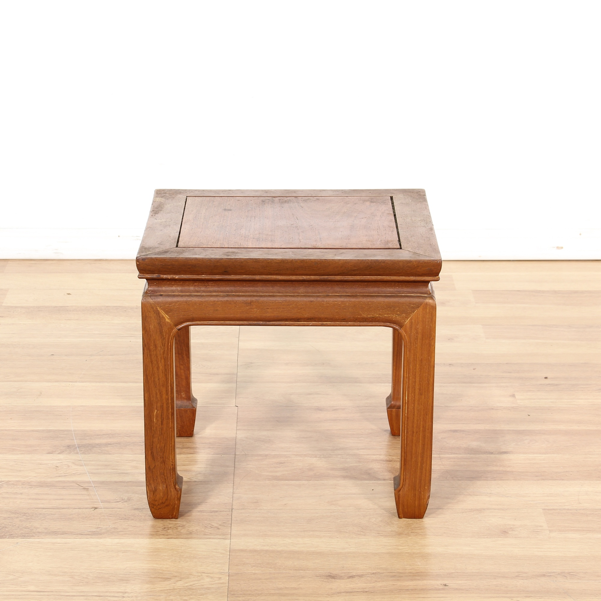 Small Asian Inspired End Table Loveseat Online Auctions Los Angeles