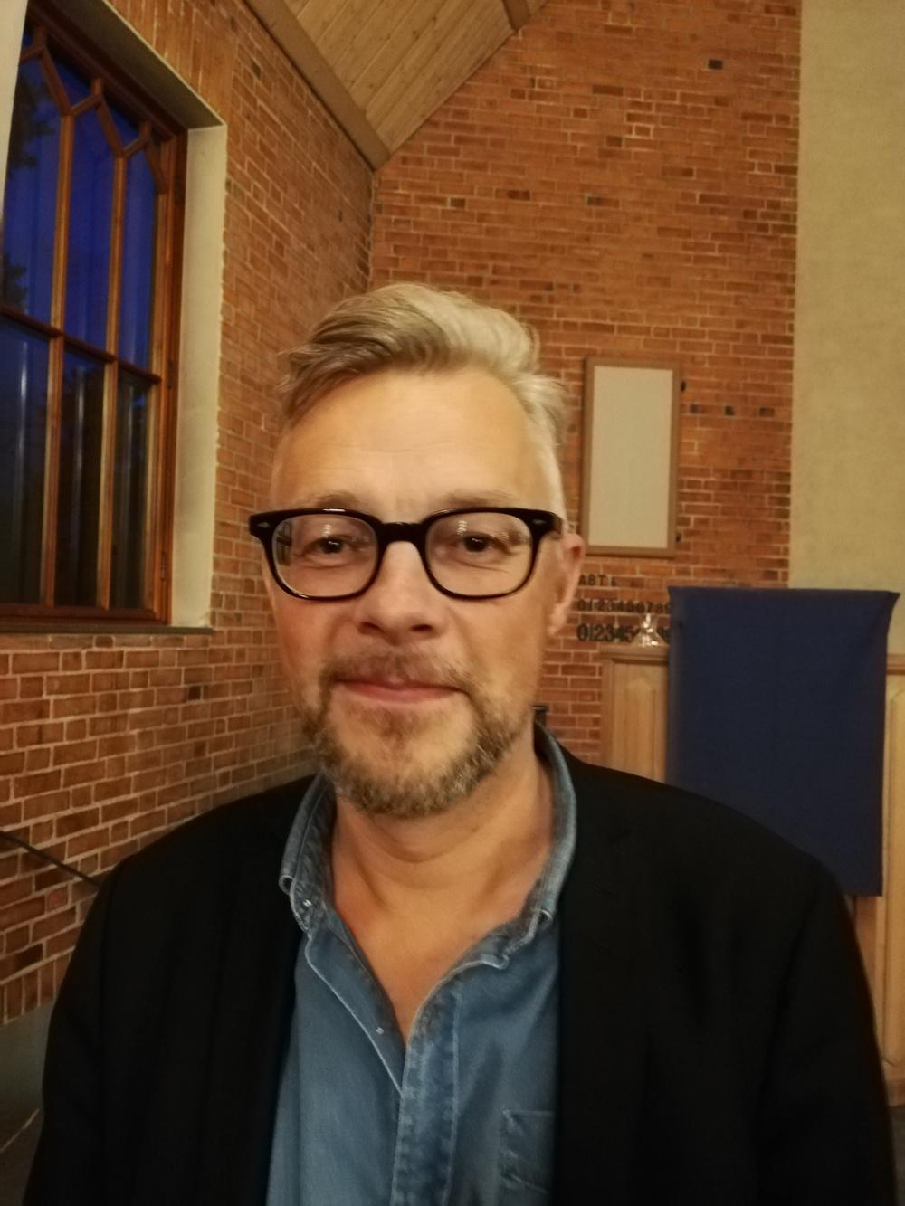Paul Tenngart som tilldelas Deverthska Kulturstiftelsens stipendium 2019.