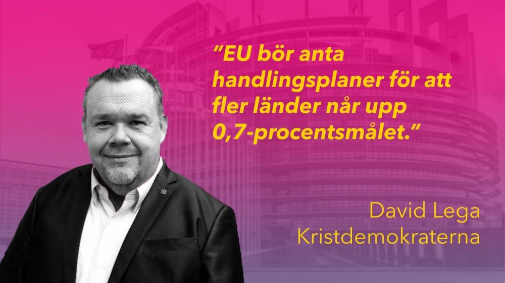 Kollage med David Lega och EU-kommissionens hus i bakgrunden.