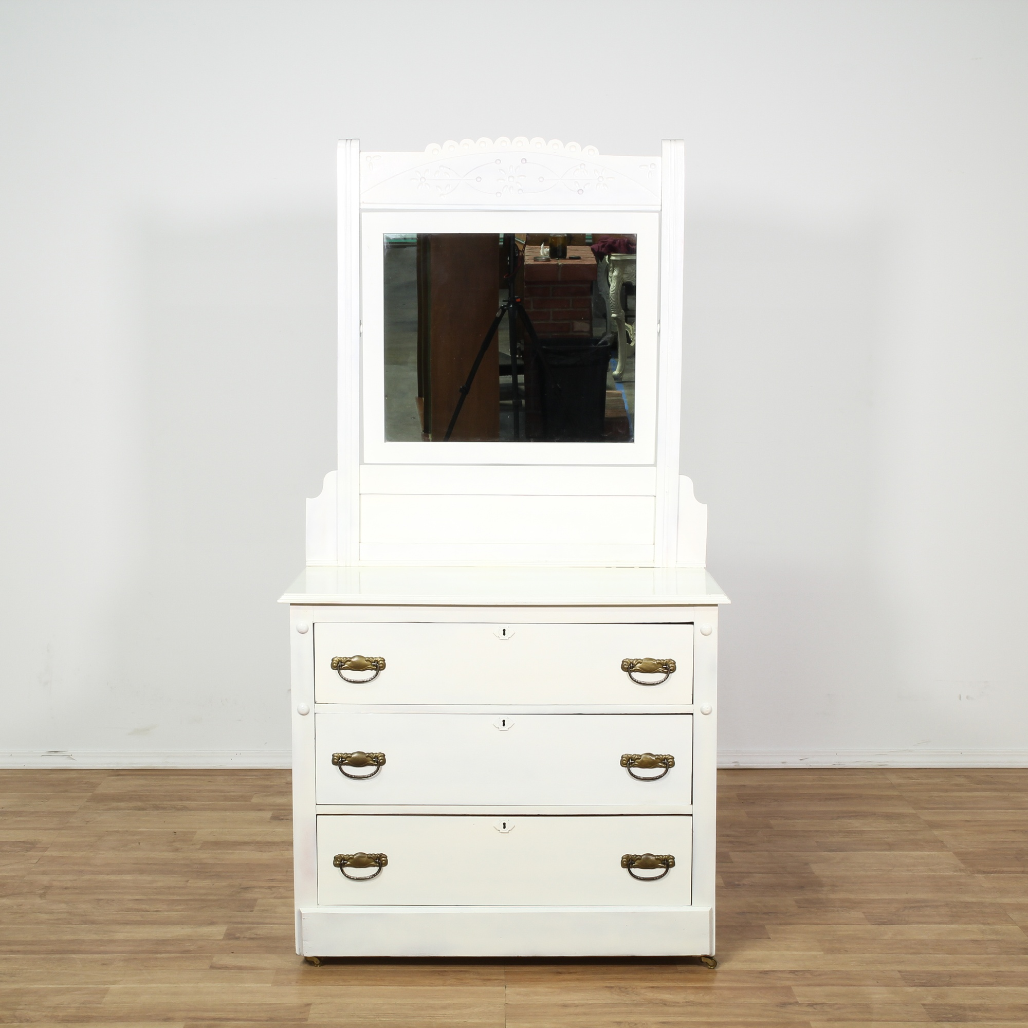 white eastlake 3 drawer dresser w mirror loveseat vintage furniture san diego los angeles. Black Bedroom Furniture Sets. Home Design Ideas