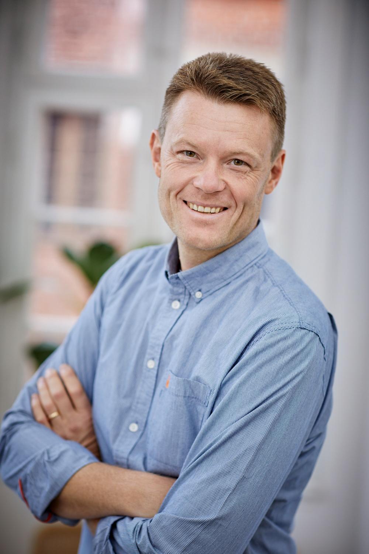 Författarporträtt: Niklas Kämpargård Foto: Åsa Siller