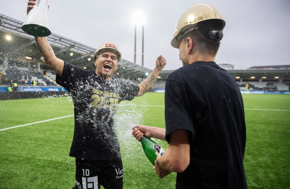 Segerjubel efter årets guld i Svenska Cupen.