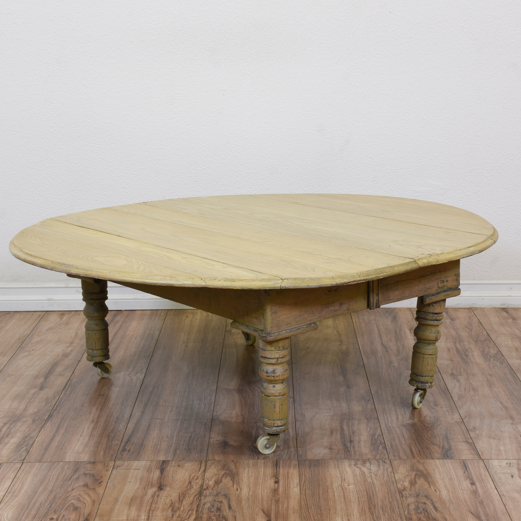 Shabby Chic Corner Coffee Table: Shabby Chic Drop Leaf Coffee Table On Castors