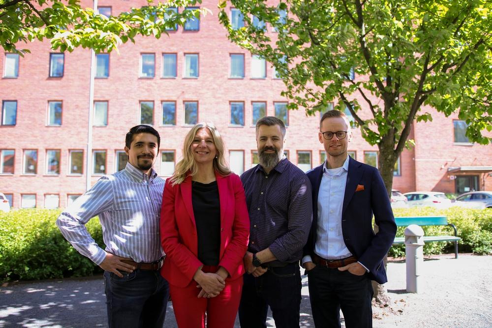 Från vänster: Sergio Lara - CTO på CombiQ, Tarja zu dem Berge - Fund Manager Almi Invest, Daniel Ström - VD CombiQ samt Gustav Österström, VD Spectria Invest