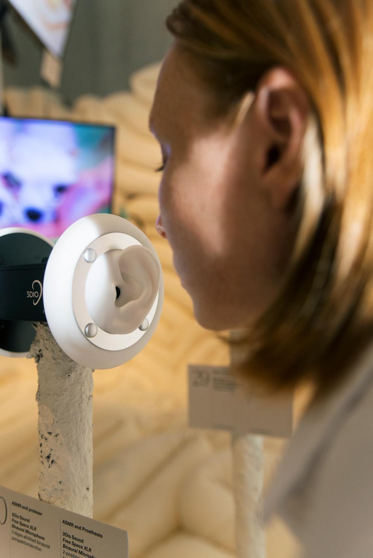 WEIRD SENSATION FEELS GOOD, an exhibition about ASMR. Photo: Elsa Soläng.