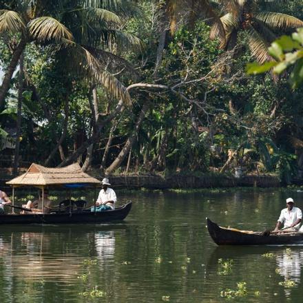 Bangalore to Backwater of Kerala & Temples of Madurai & Trichy