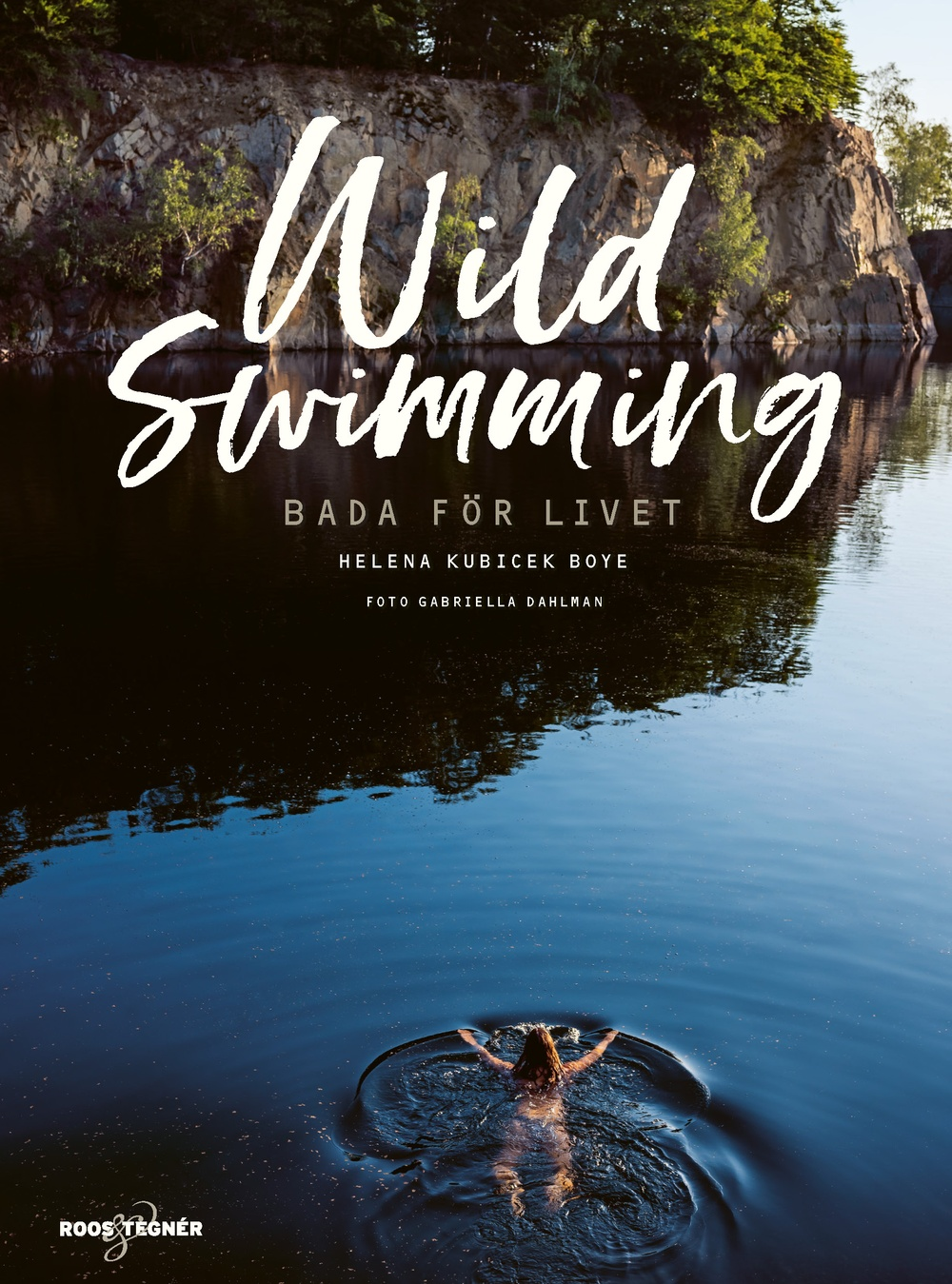 Bokomslag: Wild Swimming