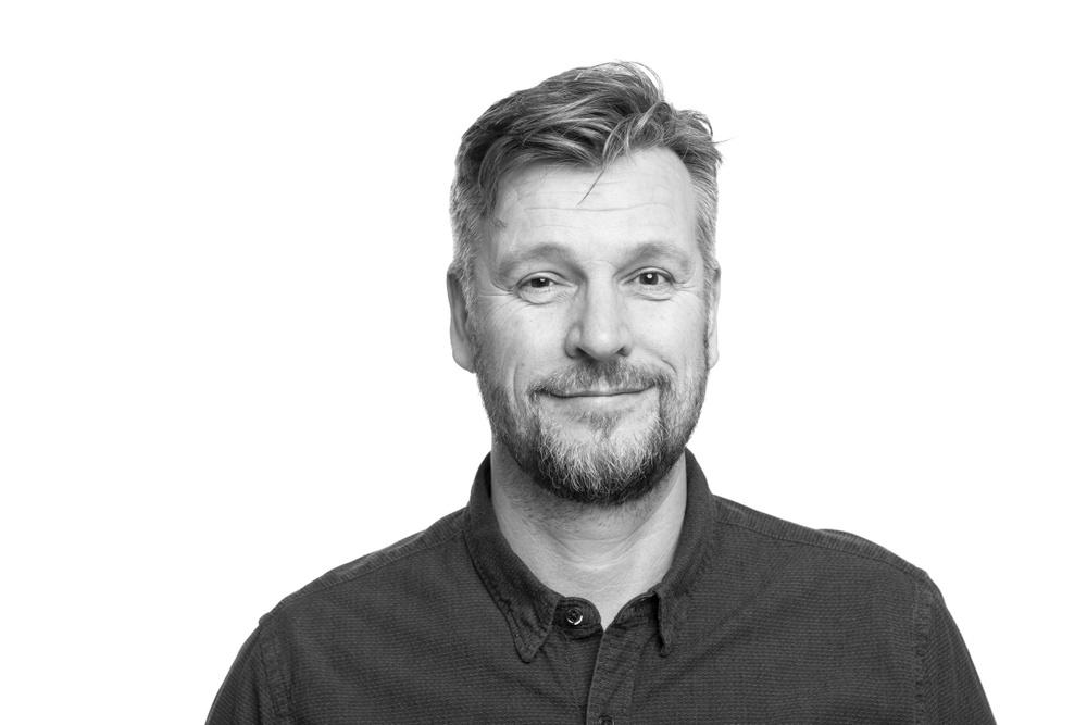 Robert Herrala, avdelningschef vid Nordiskt Berättarcentrum, en del av Västerbottensteatern. Foto: Patrick Degerman.